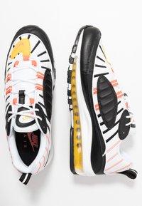 Nike Sportswear - AIR MAX 98 - Sneakers laag - black/brigt crimson/white/chrome yellow - 1