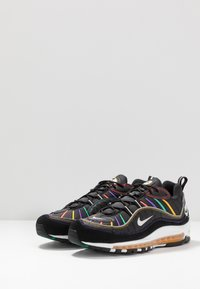 Nike Sportswear - AIR MAX 98 PRM - Sneakers laag - black/flash crimson/kinetic green/psychic purple/university  gold/white - 3