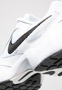 Nike Sportswear - AIR HEIGHTS - Sneakers - white/black/platinum tint