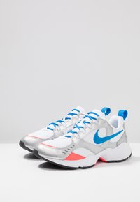 Nike Sportswear - AIR HEIGHTS - Sneakers laag - white/photo blue/metallic platinum/flash crimson/pure platinum/black - 2