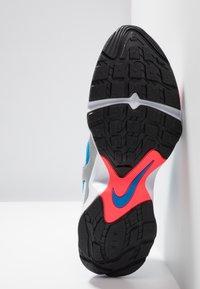 Nike Sportswear - AIR HEIGHTS - Zapatillas - white/photo blue/metallic platinum/flash crimson/pure platinum/black - 4