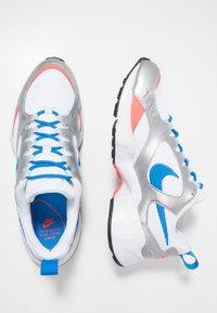 Nike Sportswear - AIR HEIGHTS - Zapatillas - white/photo blue/metallic platinum/flash crimson/pure platinum/black - 1