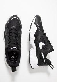Nike Sportswear - AIR HEIGHTS - Sneaker low - black/white - 1