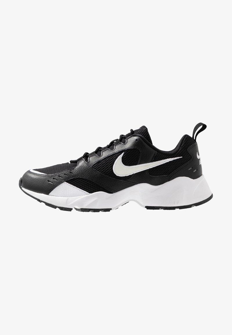 Nike Sportswear - AIR HEIGHTS - Sneaker low - black/white