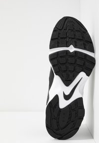 Nike Sportswear - AIR HEIGHTS - Sneaker low - black/white - 4