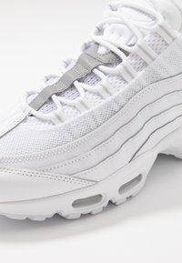 Nike Sportswear - AIR MAX - Sneakers basse - white/pure platinum/reflect silver/black