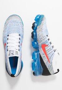 Nike Sportswear - AIR VAPORMAX FLYKNIT - Trainers - white/habanero red/university gold/photo blue/black/metallic silver - 1