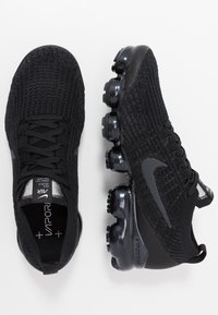 Nike Sportswear - AIR VAPORMAX FLYKNIT - Sneakers laag - black/anthracite/white/metallic silver - 1