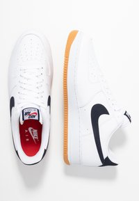 Nike Sportswear - AIR FORCE 1 '07 - Trainers - white/obsidian/university red/medium brown - 1