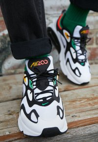 Nike Sportswear - AIR MAX 200 - Sneakers - white/black/bright crimson/university gold/lucid green - 7