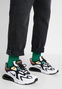 Nike Sportswear - AIR MAX 200 - Sneakers - white/black/bright crimson/university gold/lucid green - 0