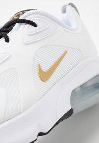 Nike Sportswear - AIR MAX 200 - Sneakers - white/metallic gold/black/metallic silver - 5