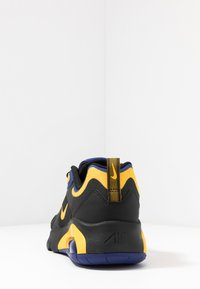 Nike Sportswear - AIR MAX 200 - Trainers - black - 3