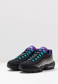 Nike Sportswear - AIR MAX 95 LV8 - Sneakers basse - black/court purple/teal/thunder grey/gunsmoke/atmosphere grey - 2