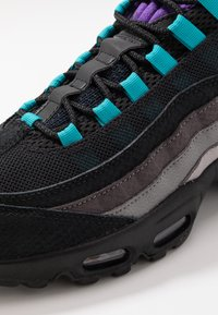 Nike Sportswear - AIR MAX 95 LV8 - Sneakers laag - black/court purple/teal/thunder grey/gunsmoke/atmosphere grey - 5