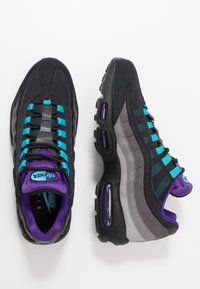 Nike Sportswear - AIR MAX 95 LV8 - Sneakers basse - black/court purple/teal/thunder grey/gunsmoke/atmosphere grey - 1