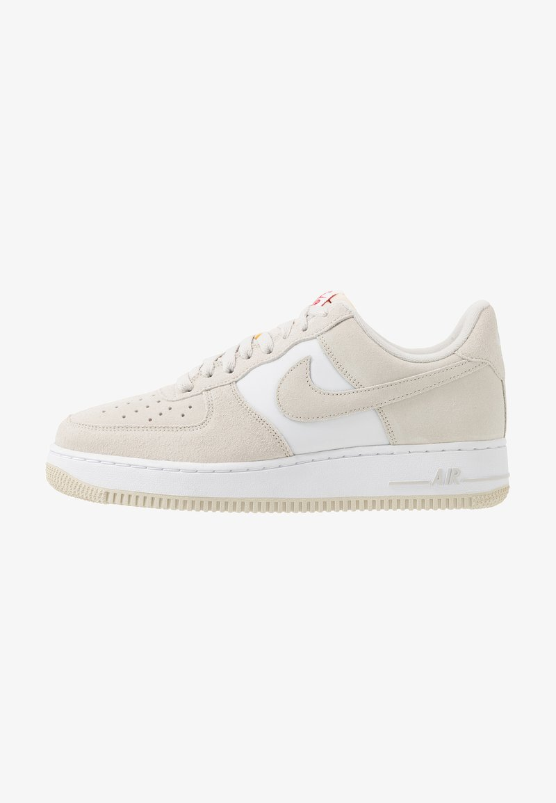 Nike Sportswear - AIR FORCE 1 '07 1FA19 - Zapatillas - light bone/university red/white/sail