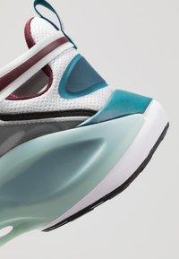 Nike Sportswear - SIGNAL D/MS/X - Sneakers - pure platinum/rush violet/night maroon/ocean cube/midnight turquise/black - 8