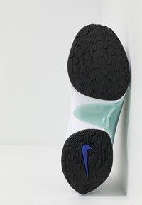 Nike Sportswear - SIGNAL D/MS/X - Sneakers - pure platinum/rush violet/night maroon/ocean cube/midnight turquise/black - 5
