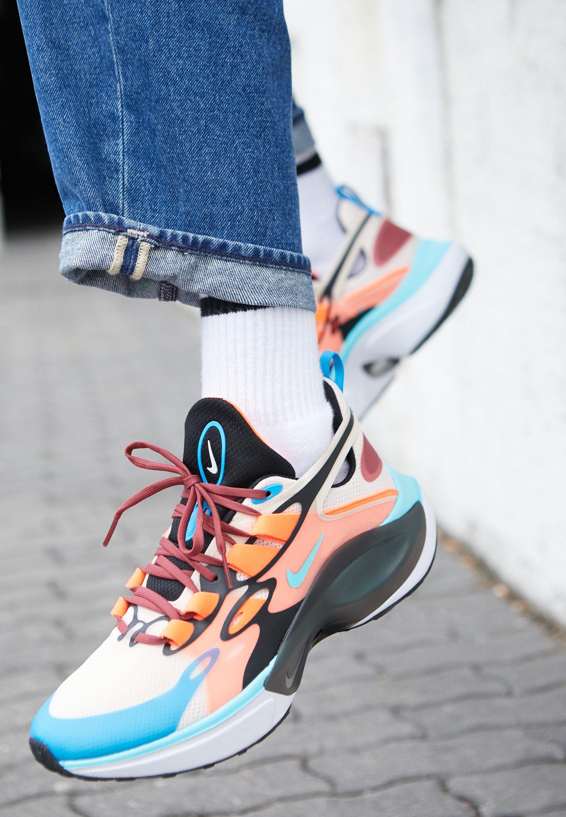 Nike Sportswear SIGNAL D/MS/X - Baskets basses guava ice/light aqua/hyper crimson/blue hero/cedar/black