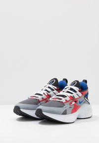 Nike Sportswear - SIGNAL D/MS/X - Sneakers - black/game royal/universe red/pure platinum/white - 2