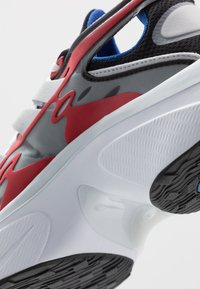 Nike Sportswear - SIGNAL D/MS/X - Sneakers - black/game royal/universe red/pure platinum/white - 6