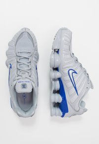 Nike Sportswear - SHOX TL - Zapatillas - wolf grey/metallic silver/racer blue - 2