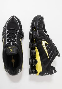 Nike Sportswear - SHOX TL - Zapatillas - black/metallic silver/dynamic yellow - 2