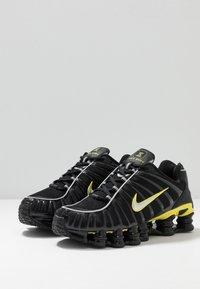 Nike Sportswear - SHOX TL - Zapatillas - black/metallic silver/dynamic yellow - 3