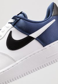 Nike Sportswear - AIR FORCE 1 '07 LV8 - Sneakers - midnight navy/white/black - 8