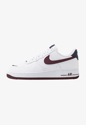AIR FORCE 1 07 LV8 - Sneakersy niskie - white/night maroon/obsidian