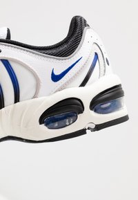 Nike Sportswear - AIR MAX TAILWIND IV - Baskets basses - white/racer blue/summit white/vast grey/black - 8