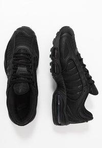 Nike Sportswear - AIR MAX TAILWIND IV - Sneakersy niskie - black - 2