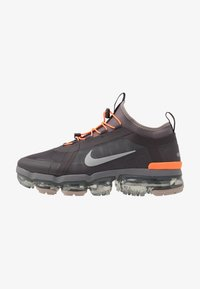 Nike Sportswear - AIR VAPORMAX 2019 UTILITY - Zapatillas - thunder grey/reflect silver/gunsmoke/sepia stone/total orange/pumice - 1
