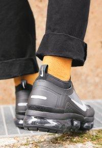 Nike Sportswear - AIR VAPORMAX 2019 UTILITY - Sneaker low - black/reflective silver/white - 7