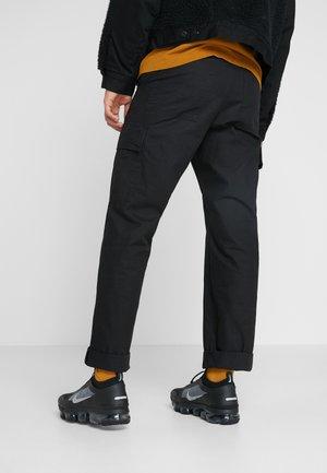 AIR VAPORMAX 2019 UTILITY - Sneakersy niskie - black/reflective silver/white