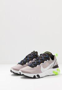 Nike Sportswear - REACT 55 SE - Zapatillas - pumice/metalic silver/total orange/summit white/black - 2
