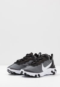 Nike Sportswear - REACT 55 SE - Baskets basses - black/white - 3