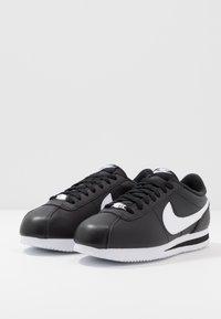 Nike Sportswear - CORTEZ BASIC - Baskets basses - black/white/metallic silver - 2