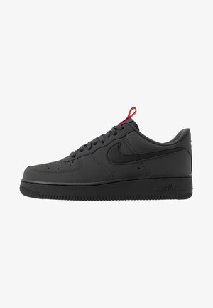 AIR FORCE 1 - Sneakers - anthracite/black/universe red