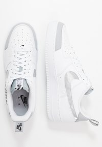 Nike Sportswear - AIR FORCE 1 '07 LV8 - Trainers - white/wolf grey/black - 1