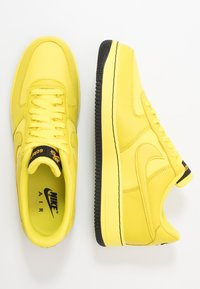 Nike Sportswear - AIR FORCE 1 GTX - Sneaker low - dynamic yellow/black