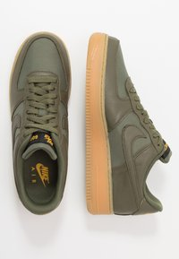 Nike Sportswear - AIR FORCE 1 GTX - Trainers - med olive/sequoia/gold/black/off noir - 2