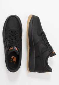 Nike Sportswear - AIR FORCE 1 GTX - Sneakers - black/light carbon/bright ceramic/med brown - 2