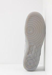 Nike Sportswear - AIR FORCE 1  - Zapatillas - wolf grey - 4