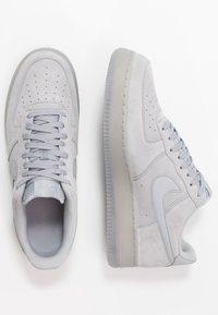 Nike Sportswear - AIR FORCE 1  - Zapatillas - wolf grey - 1