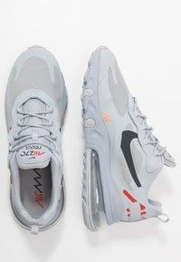 Nike Sportswear - AIR MAX 270 REACT - Zapatillas - wolf grey/hyper crimson/university red/anthracite - 1