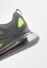 Nike Sportswear - AIR MAX 720 - Matalavartiset tennarit - cool grey/volt/electric green/black - 5