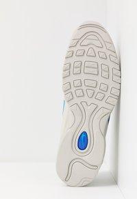Nike Sportswear - AIR MAX 97  - Sneakers laag - light bone/blue hero/hyper royal/pure platinum - 4