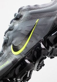 Nike Sportswear - AIR VAPORMAX 2019 DRT - Sneakers - cool grey/volt/electric green/black - 5